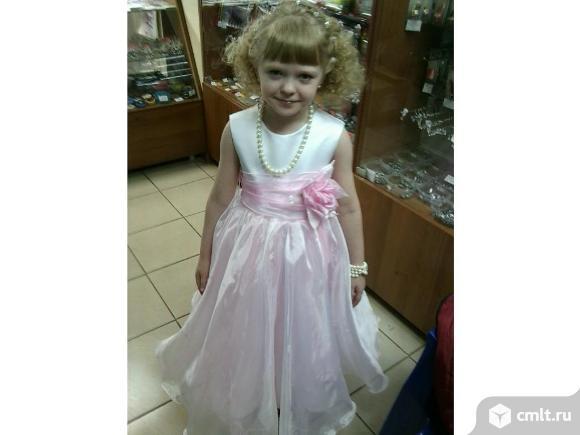 Продается детское платье на 6-8 лет