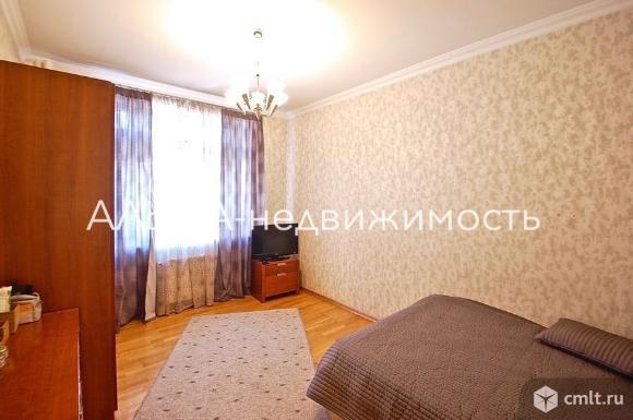 Продается 5-комн. квартира 205 кв.м, м.Октябрьская