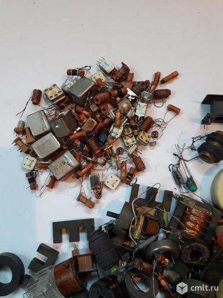 Радиодетали ферриты катушки. Фото 4.