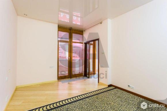Продается 4-комн. квартира 140.9 м2