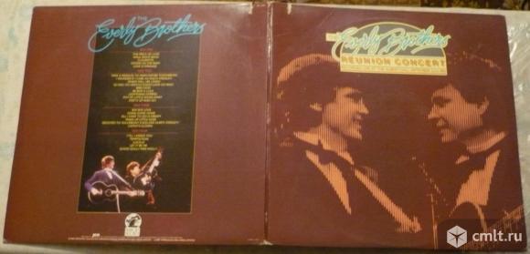 """2 грампластинки (винил). Гигант [12"""" LP]. The Everly Brothers. Reunion Concert. 1983. PB 11001. USA.. Фото 1."""