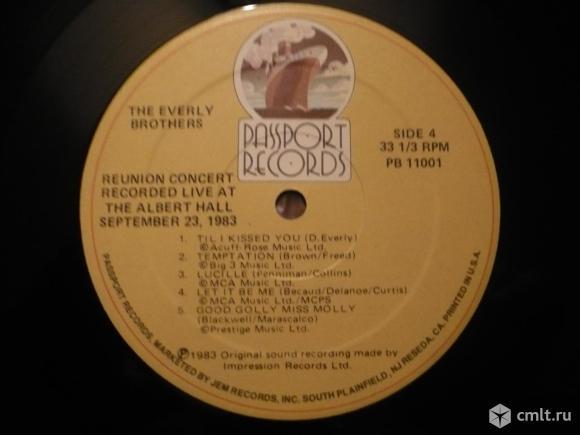 """2 грампластинки (винил). Гигант [12"""" LP]. The Everly Brothers. Reunion Concert. 1983. PB 11001. USA.. Фото 8."""