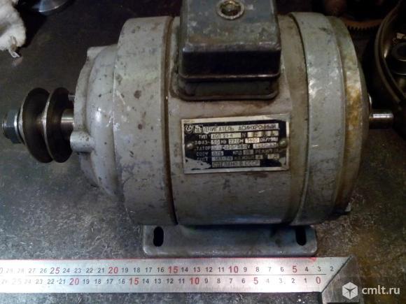 Электродвигатель для точила. Фото 1.
