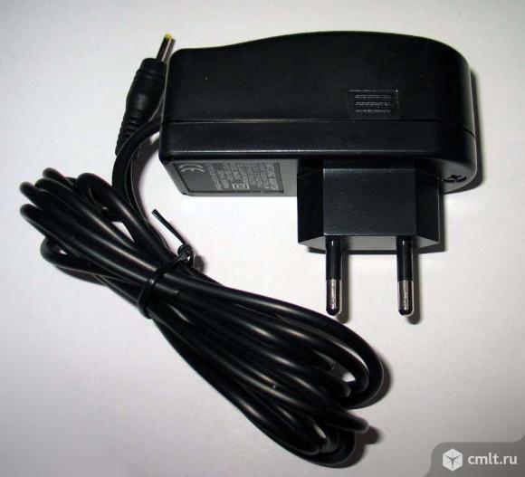 Зарядное устройство Philips AD2880032H. Фото 1.