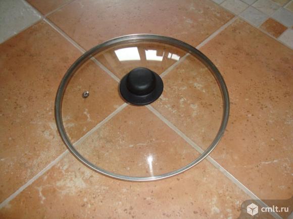 Крышка из стекла термостойкая диаметром  28 см.