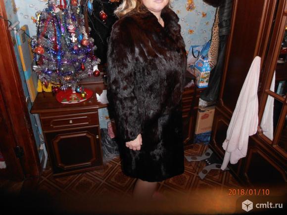 Продам шубу из колонка. Модель французское пальто.