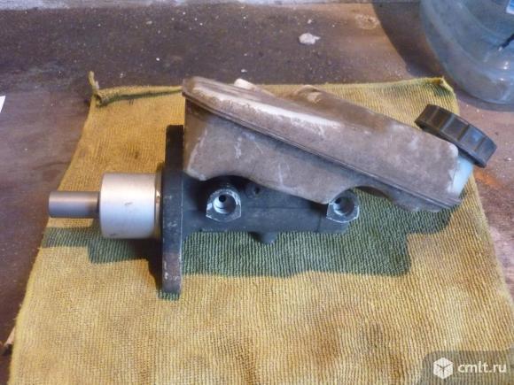 Главный тормозной цилиндр фф2 продаю. Фото 1.
