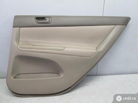 Обшивка задней правой двери TOYOTA CAMRY V30 01-06 б/у 6763033640B0. Фото 1.
