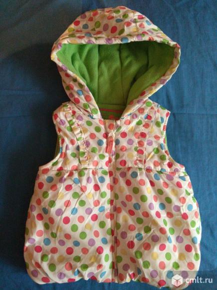 Продам теплый жилет для девочки год-полтора