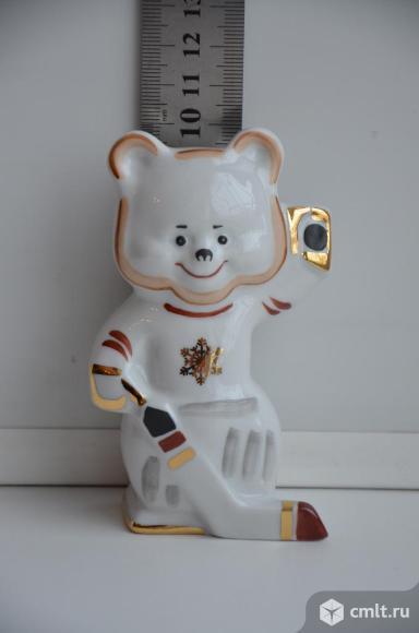 Дулево. Статуэтка Медведь с клюшкой. Мишка. Спорт