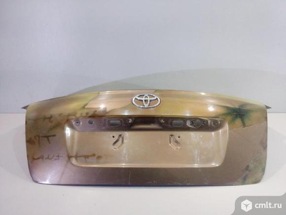 Крышка багажника TOYOTA AVENSIS II T25 03-08 б/у 6440105050 нанесена аэрография 4*. Фото 1.