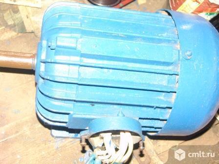 Электродвигатель б/у. Фото 1.