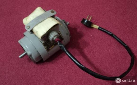 Двигатель электрический АОЛ 011-2. Фото 1.