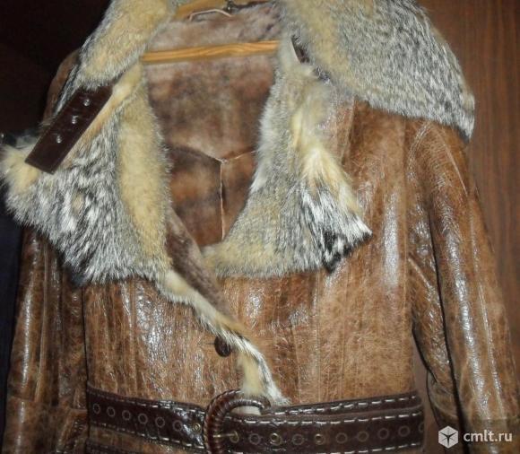 Шуба кожаная с мехом волка
