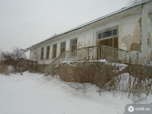 Продам склад(столовая) 332.3 м2. и гараж 174.1 м2.
