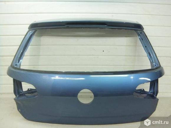 Крышка багажника VW GOLF VII 12- б/у 5G6827025Q 3*. Фото 1.