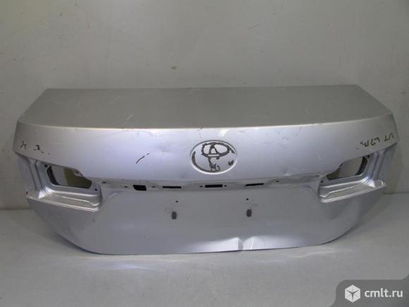Крышка багажника TOYOTA COROLLA E180 13- б/у 6440102A31 6440102A30 3*. Фото 1.
