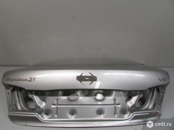 Крышка багажника NISSAN MAXIMA A33 седан 00-06 б/у H43005Y0CE  H43003Y5CM 3*. Фото 1.