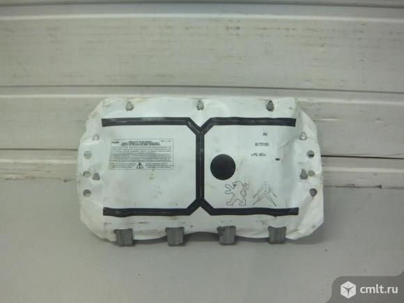 Подушка безопасности пассажирская AIRBAG в торпедо левый руль PEUGEOT 207 06- б/у 8216WJ 4.5*. Фото 1.
