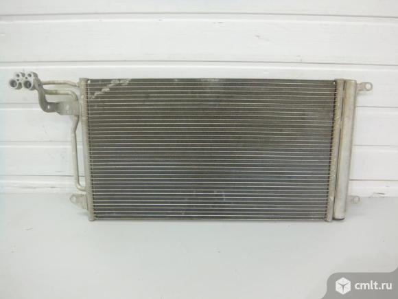 Радиатор кондиционера SKODA FABIA 11-/ RAPID 13- / ROOMSTER 11- 6R0820411AC 6R0820411T б/у 4*. Фото 1.