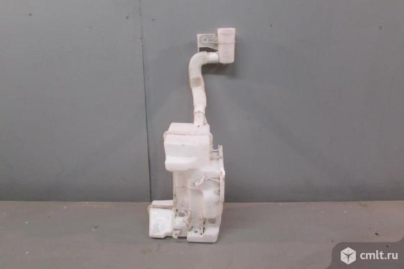 Бачок омывателя  VW JETTA 11-15 б/у 5C6955453Q 4*. Фото 1.