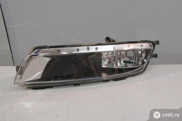 Фара противотуманная правая птф  VW PASSAT CC 12- б/у 3C8941700 3*. Фото 1.