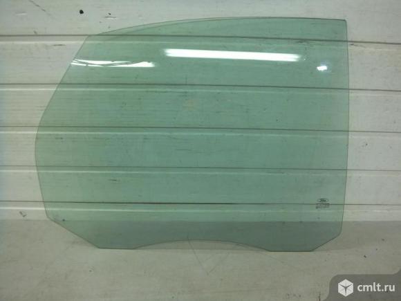 Стекло задней правой двери FORD FOCUS 2 05-11 седан хечбек 1317984 5*. Фото 1.