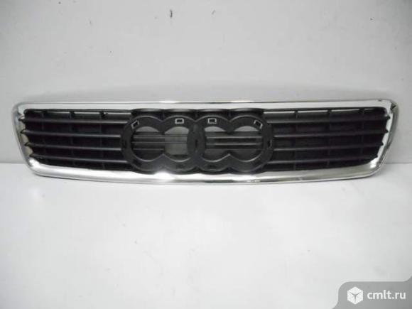 Решетка радиатора Audi A4 99-01. Фото 1.