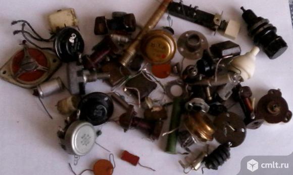Радиолампы, транзисторы и др. радиодетали (СССР). Фото 3.