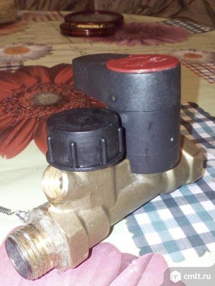 Кран отопления регулировочный латунный. Фото 1.