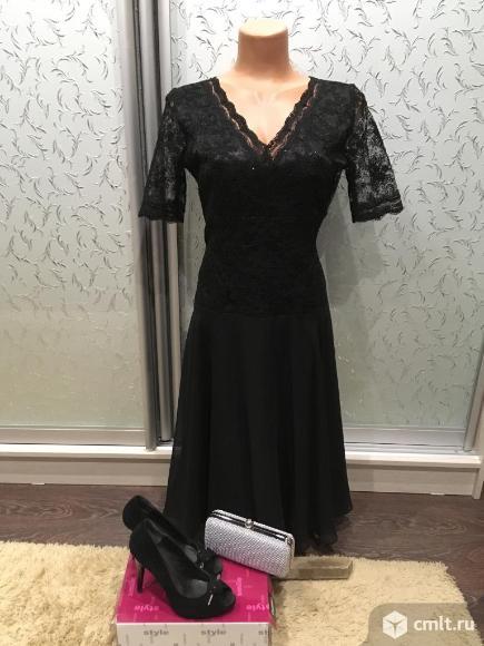 Продаю черное вечернее платье из кружева и шифона