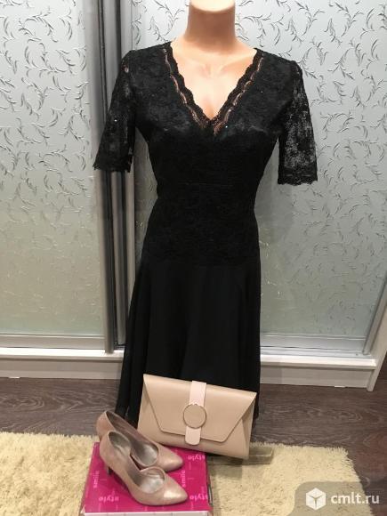 Продаю черное вечернее платье из кружева и шифона. Фото 5.
