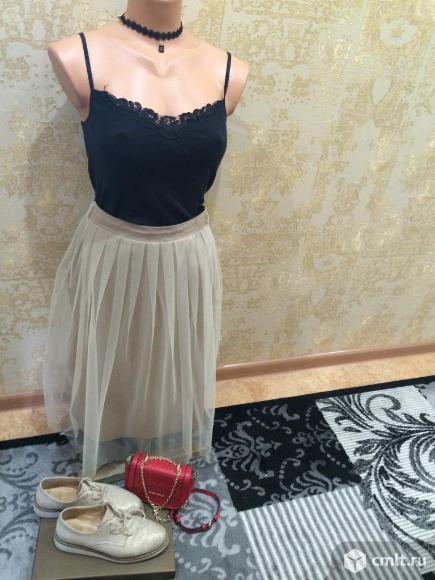 Продаю итальянскую юбку-пачку бежевого цвета. Фото 4.