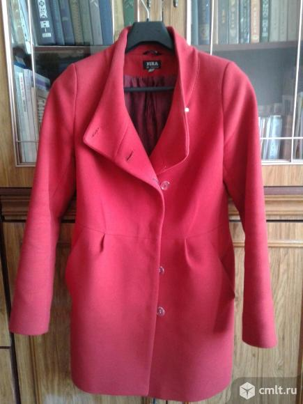 Продаётся пальто  (Весна-Осень)