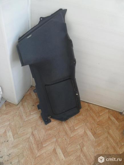 Обшивка багажника.. Фото 1.