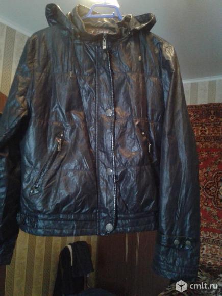 Продаю женскую куртку