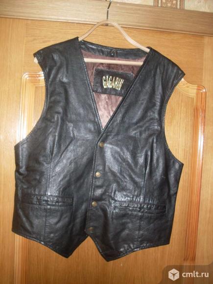 Жилет кожаный черный, р. 48-50, б/у, 1 тыс. р. Торг