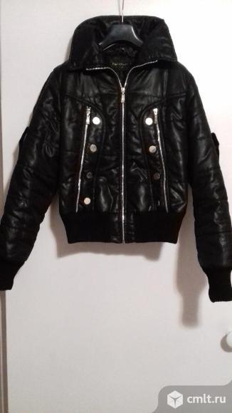 Куртка жен осенняя б/у в хорошем состоянии р-р 44