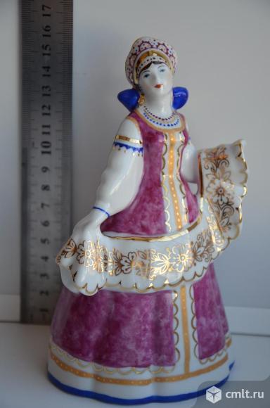 Статуэтка Златошвейка Дулево Девушка вышивальщица