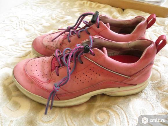 Кроссовки из натуральной кожи. Фото 1.