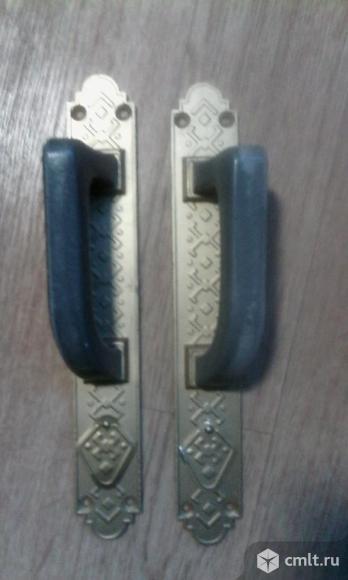 Ручки дверные парные (правая, левая) на пластине - накладке. Фото 1.