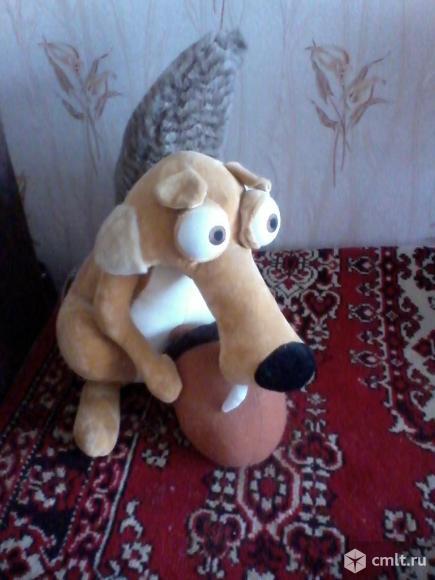 Игрушка мягкая, белка с орехом из мультфильма Ледниковый. Фото 1.