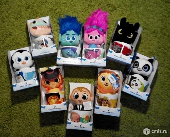 Эти мягкие игрушкиНе пустяк, не безделушки.             Принесут с собой они                   Теплоты, добра, любви!