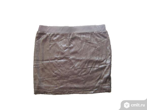 Бежевая мини юбка с блестками б/у. Размер L.