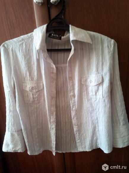 Классическая белая блузка.