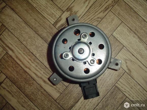 На рено логан моторчик вентилятора радиатора.. Фото 1.