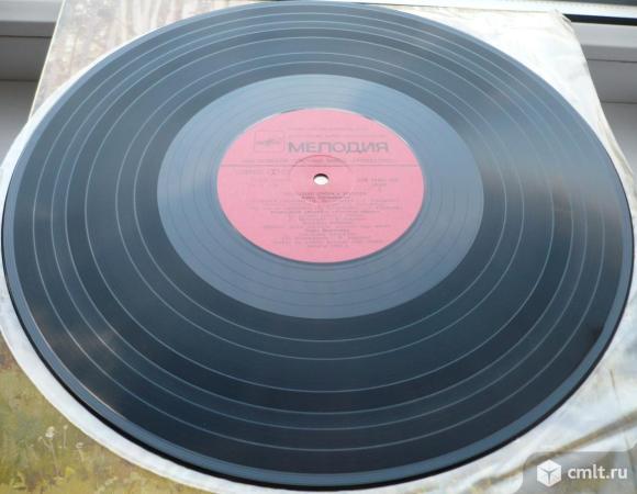 """Грампластинка (винил). Гигант [12"""" LP]. Молодые голоса России. Записи 1982 г. (C) """"Мелодия"""", 1983.. Фото 8."""