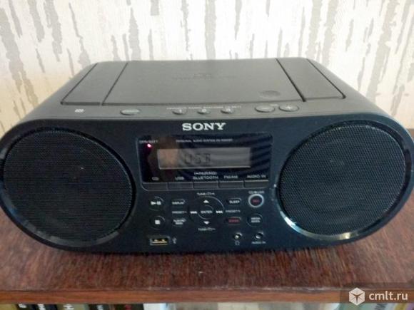 Магнитола Sony ZS-RS60BT. Фото 1.