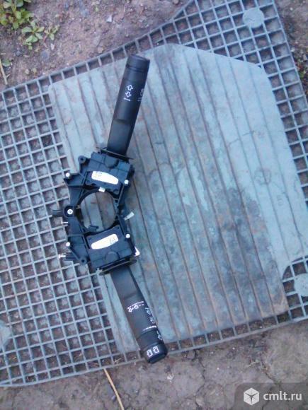 Подрулевые переключатели шевроле авео Т 300. Фото 1.
