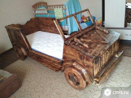 Кровать машинка из дерева.. Фото 1.
